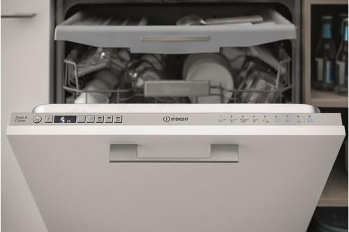 Lave-vaisselle encastrable - Indesit DIO3T131AFE